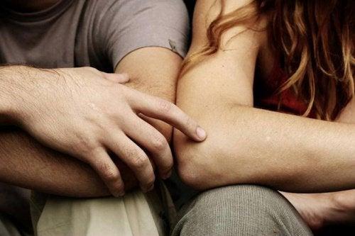 Sexul poate apropia și mai mult doi prieteni