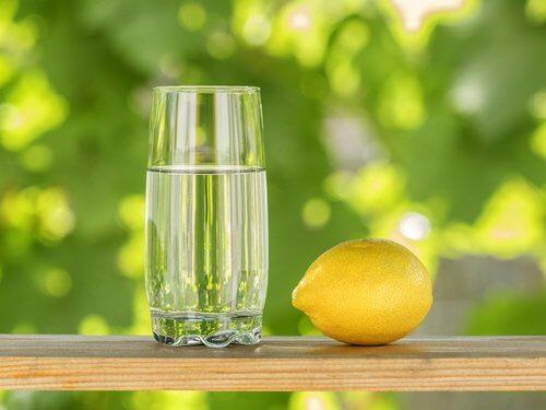 Există băuturi naturale care ne ajută să învingem supraponderalitatea