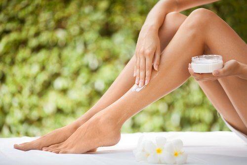 Utilizări alternative ale aspirinei pentru firele de păr crescute sub piele