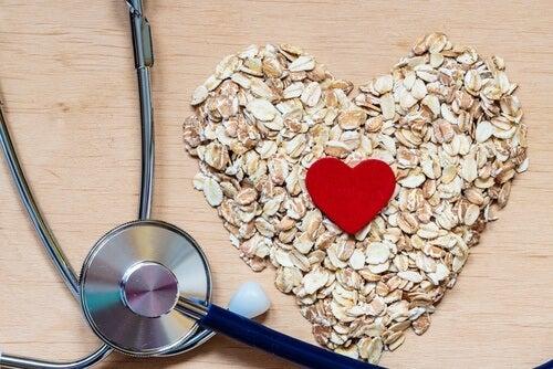 Apa de ovăz scade nivelul de colesterol rău