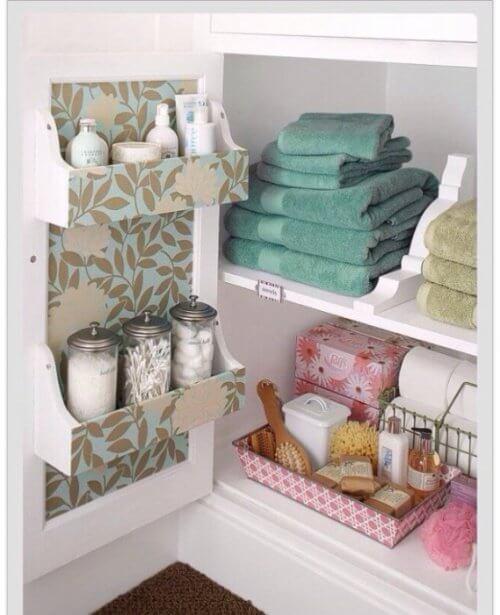 Niciodată nu poți avea prea mult spațiu liber în dulapurile din baia ta