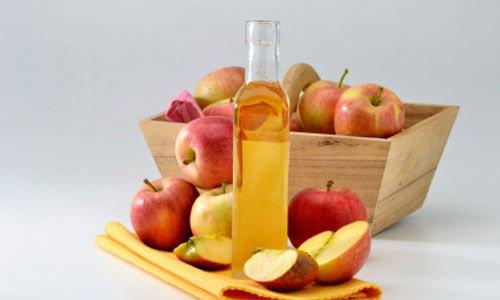 Beneficii pentru păr ale oțetului de mere roșii