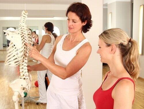 Legătura dintre coloana vertebrală și organele interne explicată de medic
