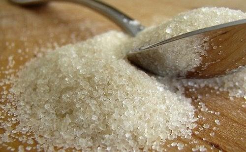 Consumul excesiv de zahăr – 6 simptome