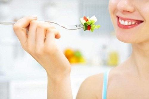 O dietă sănătoasă stimulează creșterea părului