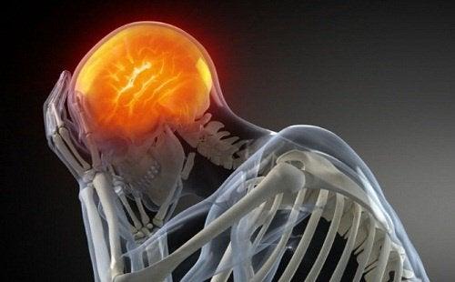 Durerea de cap poate fi provocată și de un atac cerebral
