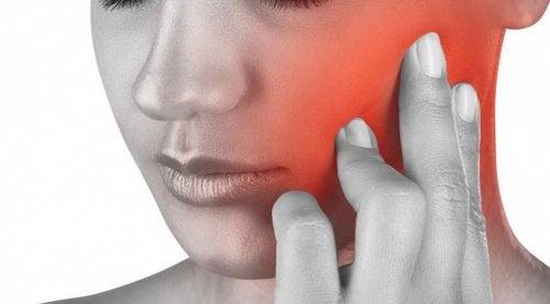 Durerea de maxilar are diverse cauze