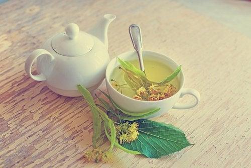 Există diverse ceaiuri care te ajută să tratezi hipotensiunea arterială