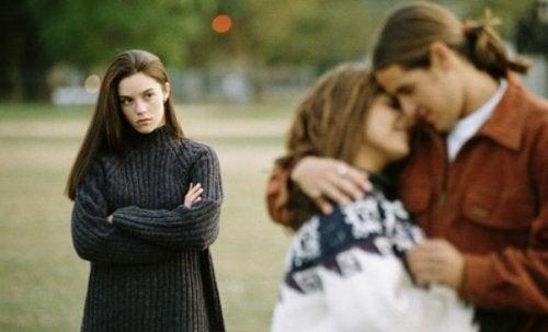 În contextul infidelității, a face sex poate fi un lucru negativ