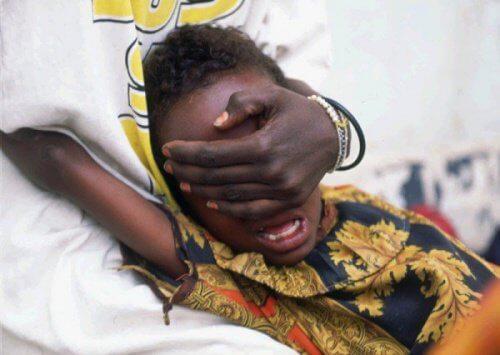 Mutilarea genitală a femeilor este efectuată în condiții de igienă precare