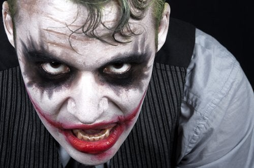 Printre trăsăturile unui psihopat se numără lipsa de empatie