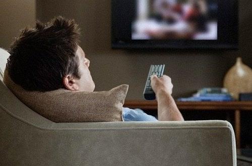 Sedentarism pe lista de obiceiuri care provoacă dureri cervicale