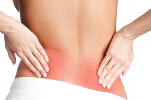 Simptome date de sciatică la nivelul spatelui