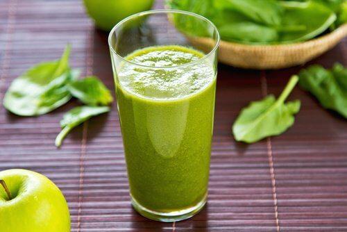 Următorul suc hidratant te ajută să pierzi în greutate