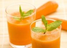 Sucul de morcovi oferă numeroase beneficii uimitoare