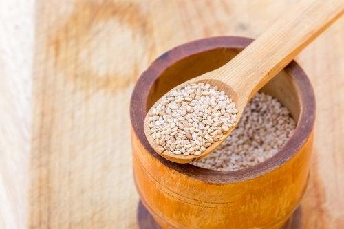 Alimente care reduc oboseala precum semințele