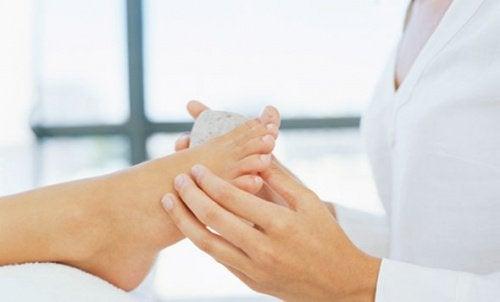 Bătăturile – 5 remedii naturiste
