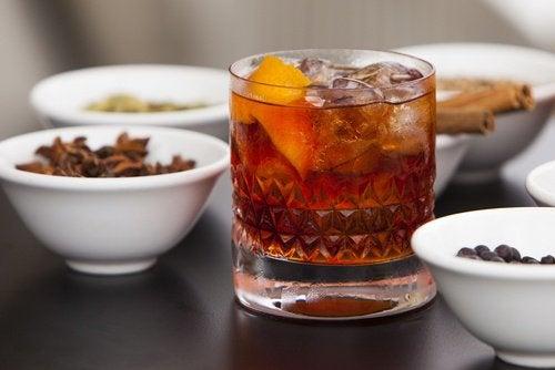 Următoarea băutură energizantă se prepară doar cu ingrediente naturale