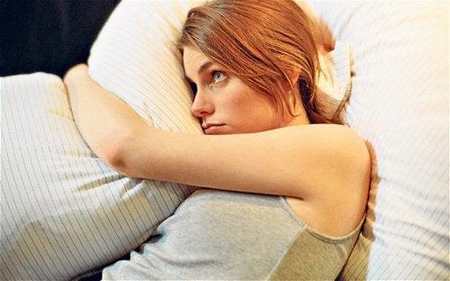 Cauze frecvente ale insomniei și cum să le previi
