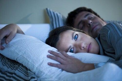 5 cauze frecvente ale insomniei