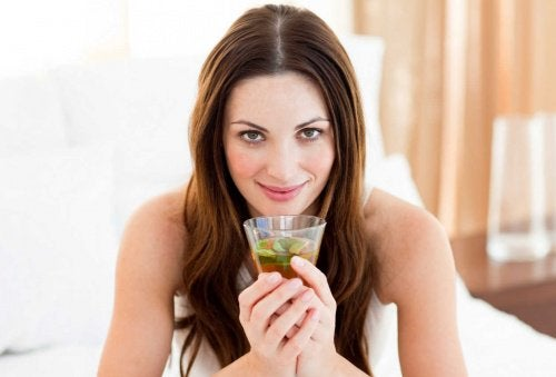 Consumă ceai verde pentru slăbit