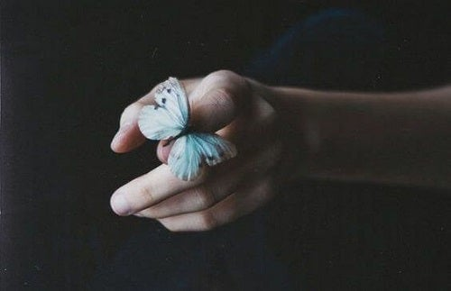 Detașarea emoțională te ajută să ai pace sufletească