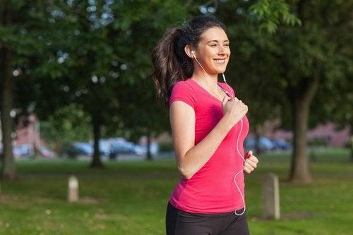 Exercițiile fizice ard grăsimea abdominală