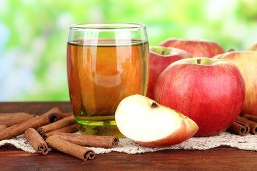 Printre altele, merele sunt utile pentru a curăța ficatul