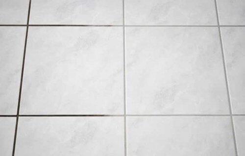 Cum să cureți gresia din baie