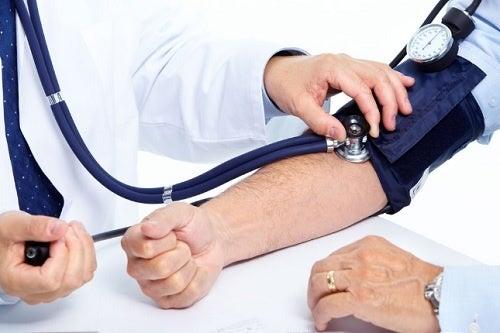 Hipertensiunea te predispune și la alte boli