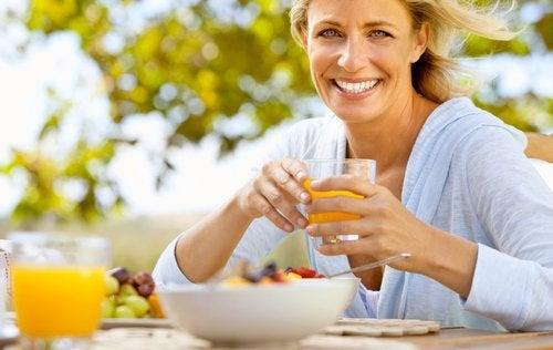 Când ajungi la menopauză, trebuie să adopți anumite obiceiuri sănătoase