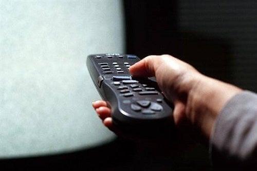Oja te ajută să găsești telecomanda și pe întuneric
