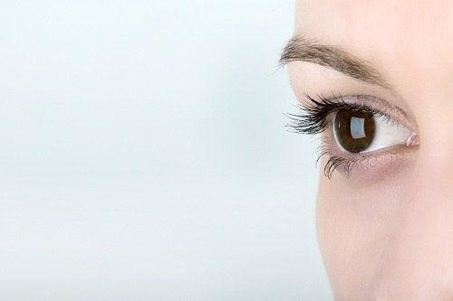 Senzația de dezgust face pupila să se dilate
