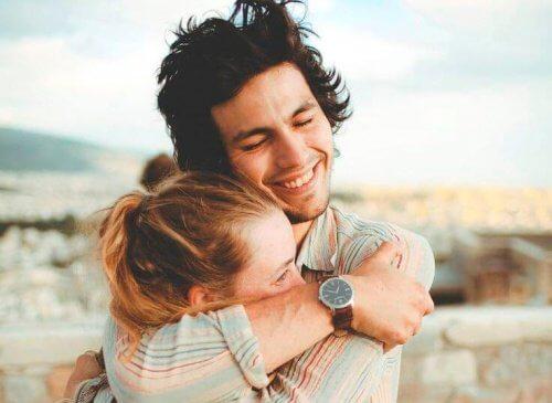 Puțină afecțiune este indispensabilă într-o relație de cuplu