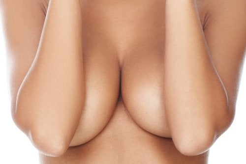 Renunțarea la sutien este benefică pentru sâni