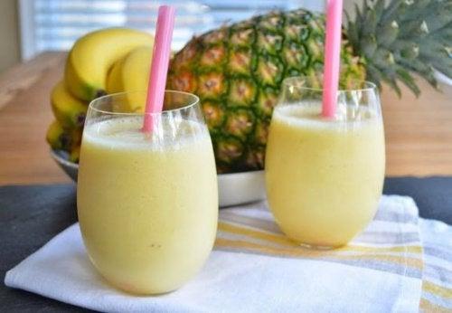 Acest shake conține fructe care combat hipertensiunea