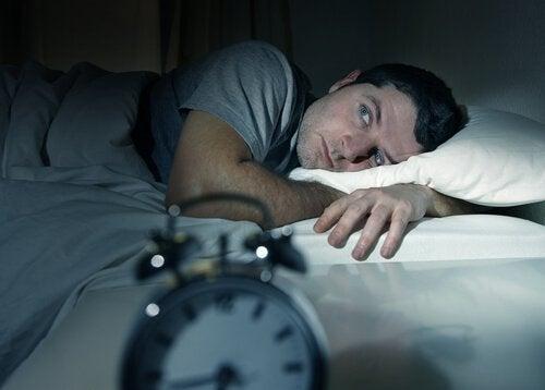 Lipsa unui somn odihnitor îți provoacă multe neplăceri
