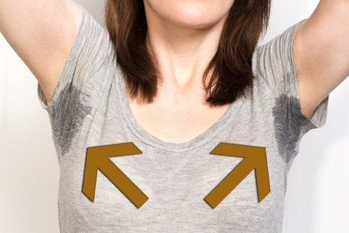 Transpirația excesivă îți poate distruge hainele