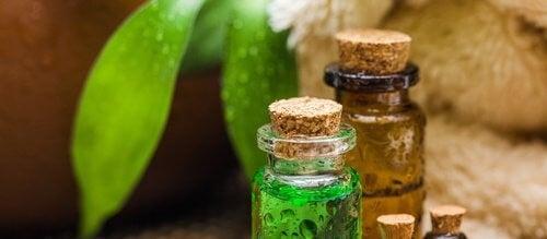 Uleiul de arbore de ceai prezintă numeroase utilizări alternative
