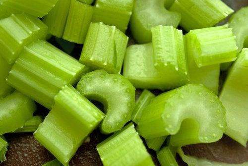 Țelina este unul din cele mai bune alimente depurative existente