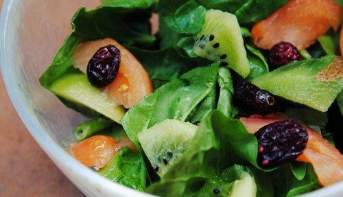 Multe fructe intră în categoria de alimente depurative