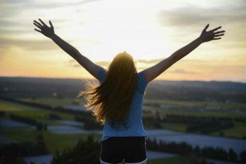 Cum să ai o atitudine pozitivă când treci prin greutăți