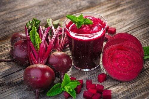 Alimente cu calorii negative precum sfecla roșie
