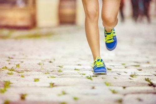 Exercițiile fizice combat celulita