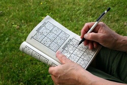 Exerciții care antrenează creierul precum sudoku