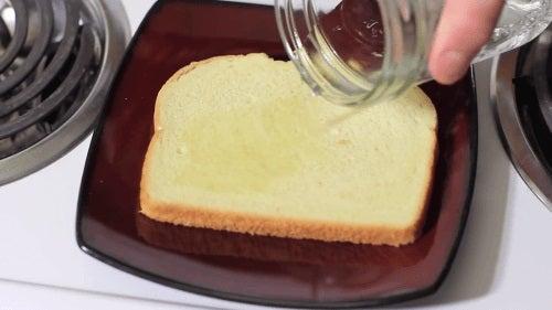 Pâine înmuiată cu oțet
