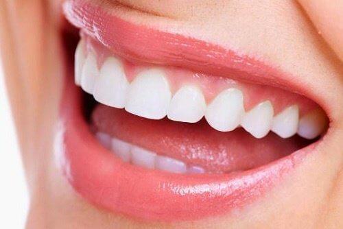 Pericolele ascunse ale onicofagiei pot provoca probleme dentare