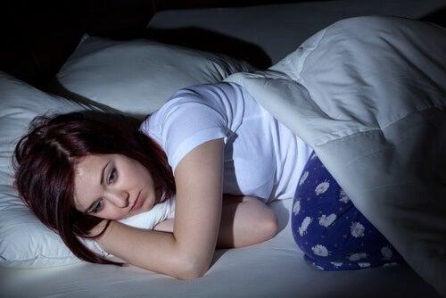 Un somn neodihnitor afectează negativ pielea feței