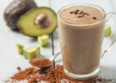 Un smoothie cu avocado și cacao îmbunătățește dispoziția