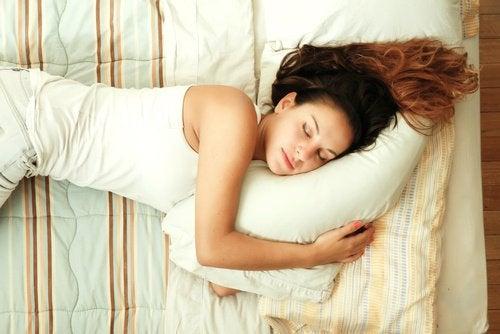 Uneori, îți vine greu să adormi